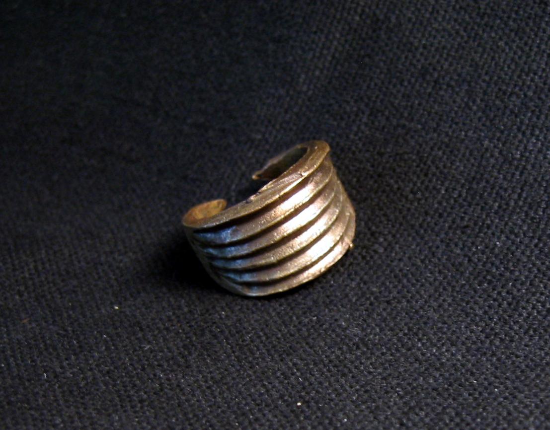 Bronzezeitlicher Rippenring